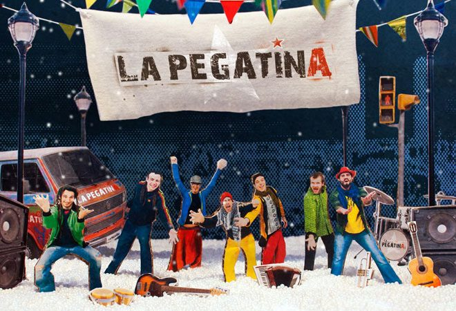 Lletra i Videoclip de la cançó del grup La Pegatina – Aquí és nadal i estic content!