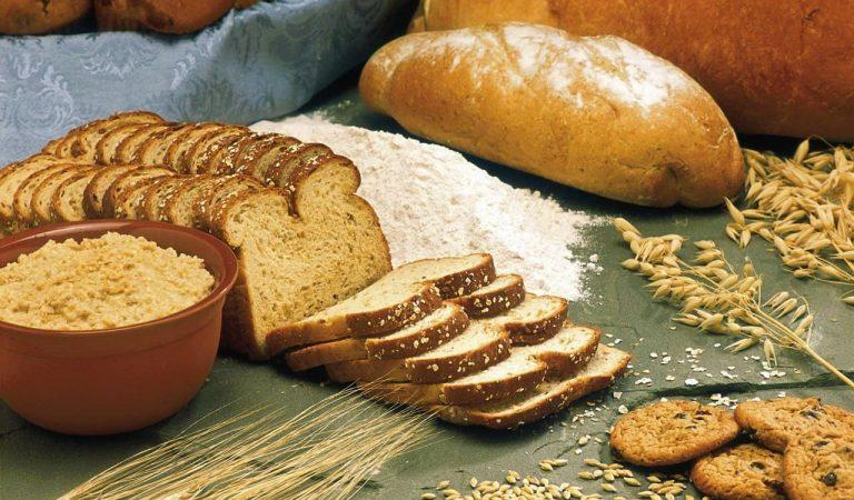 Per què amb el temps el pa s'endureix i les galetes s'estoven?