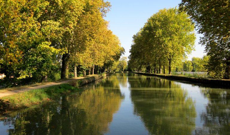 El riu traïdor, l'únic riu català que desemboca a l'Atlàntic.