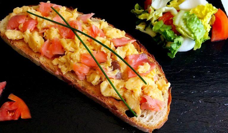 Recepta de Cuina, Com es fa – Remenat d'ous amb salmó.