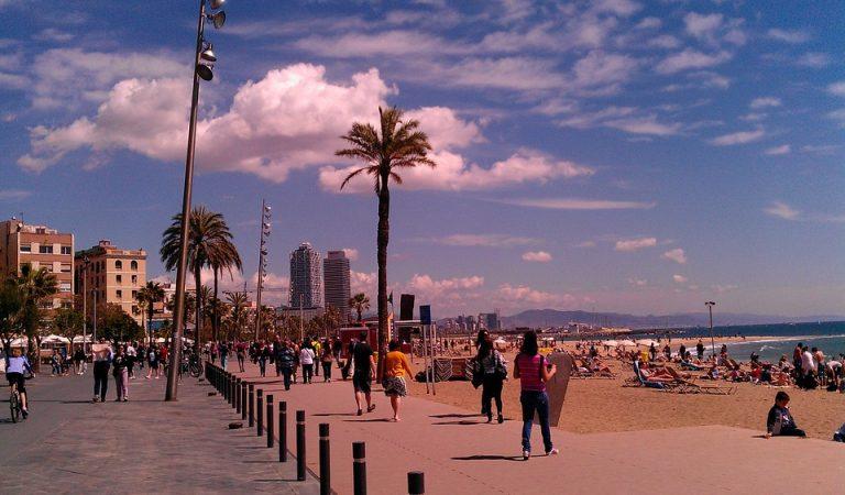 Sabíeu que la Barceloneta abans era una illa? L'Illa de Maians