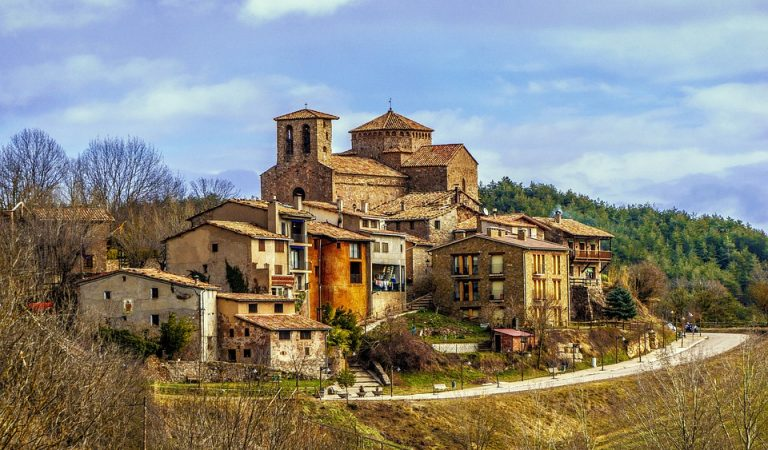 Sant Jaume de Frontanyà ja no és el poble més petit de Catalunya.
