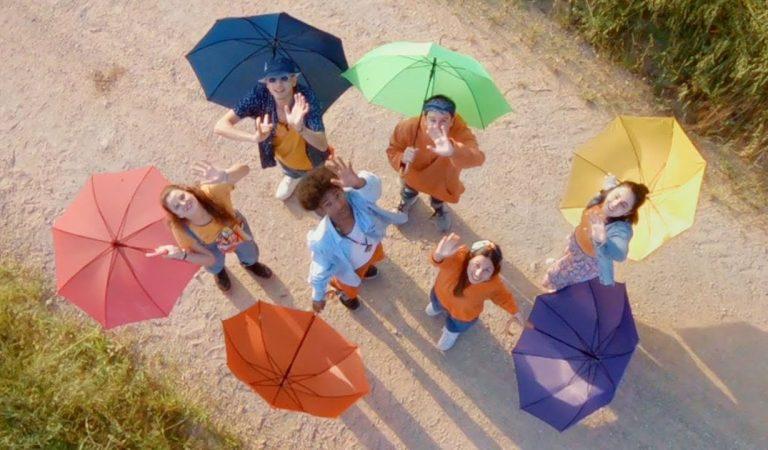 Lletra i Videoclip de la cançó de la Dàmaris Gelabert – Naturalment