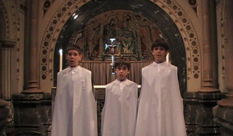 Santa Nit compleix 200 anys – Lletra i Videoclip de L'Escolania de Montserrat