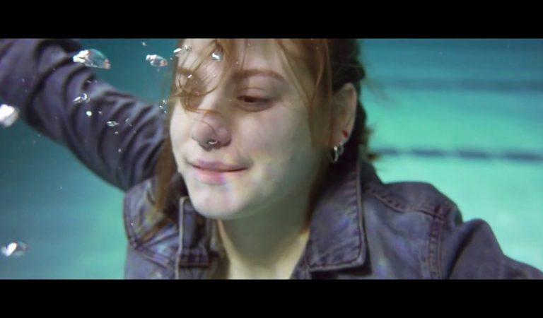 Lletra i Videoclip de la cançó d'en Cesk Freixas – Aigua