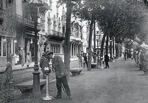 Sabíeu que al Passeig de Gràcia hi havia escopidors? – Barcelona segle XX