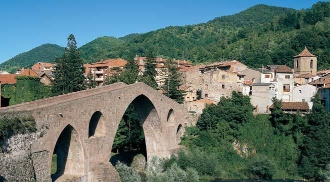 Sant Joan de les Abadesses – Un poble per viure