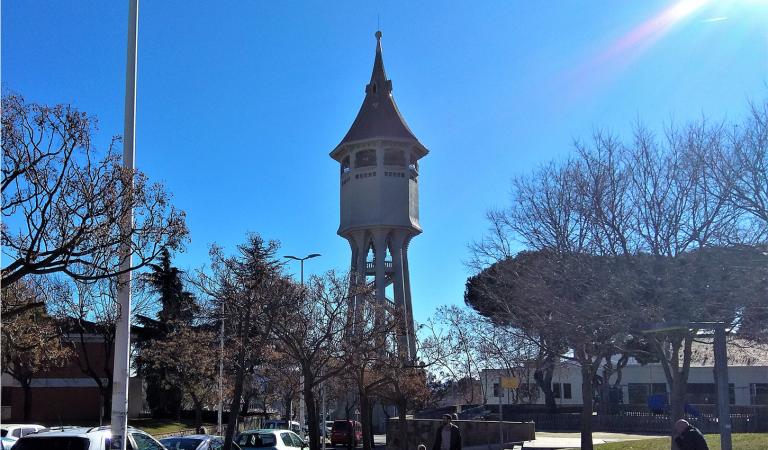 La Torre de l'Aigua de Sabadell s'il·luminarà cada nit com agraïment al personal sanitari del Parc Taulí.