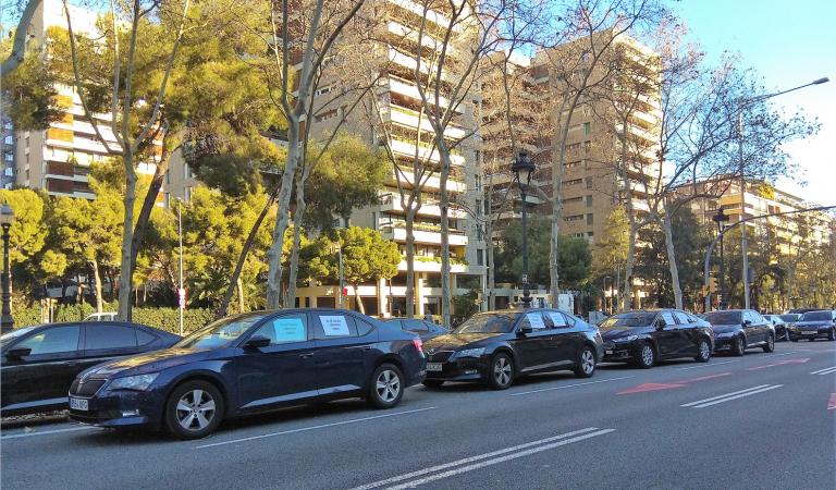 Cinquè dia d'ocupació de la Diagonal pelsVTC(Vehicles Turisme amb Conductor)
