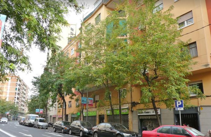 Un carrer menys de Barcelona dedicat a la Monarquia.