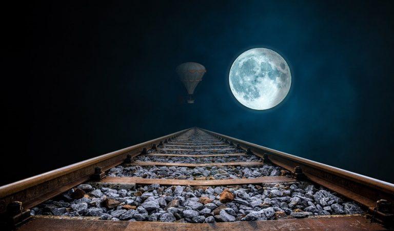 La complicada fórmula per calcular quan serà Setmana Santa observant la lluna