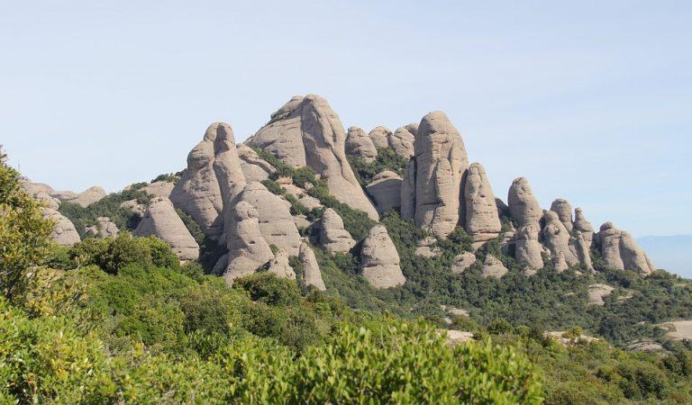 Voleu veure com es veuen les muntanyes de Montserrat des de l'espai?
