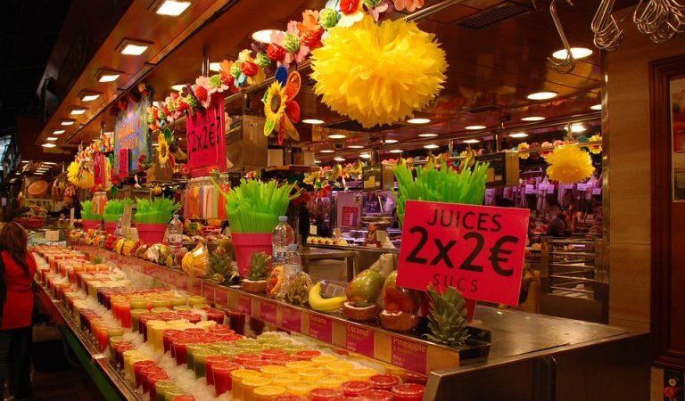 Els principals mercats de Barcelona restringeixen l'accés a grups de turistes.