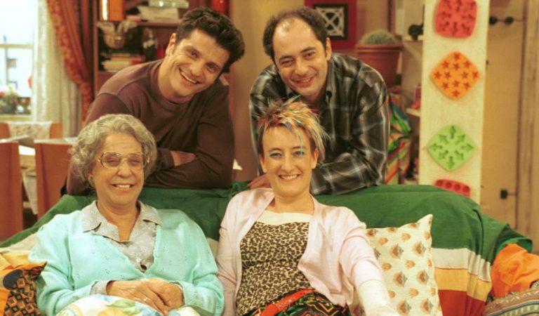 Avui fa 20 anys que va començar una de les sèries més populars de TV3 – Plats Bruts