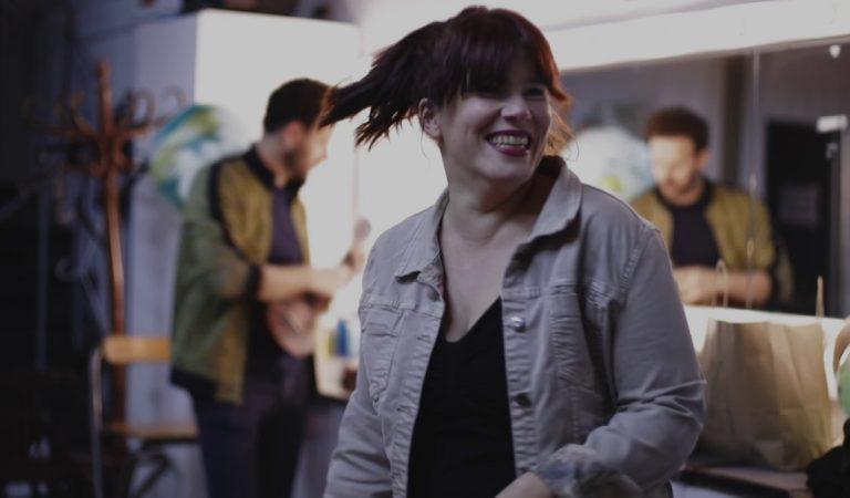 Lletra i Videoclip de la cançó d'en Cesk Freixas – Cercavila