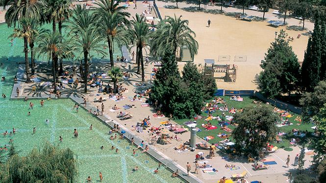 La Piscina de la Creueta del Coll del districte de Gràcia torna a obrir al públic