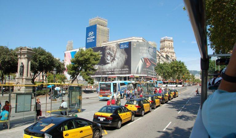 El taxi de Barcelona es modernitza – Tarifa plana a través d'App