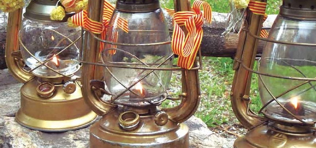 Els Equips de Foc de la Flama de la Flama del Canigó vol que elPNCla retiri del seu logotip.