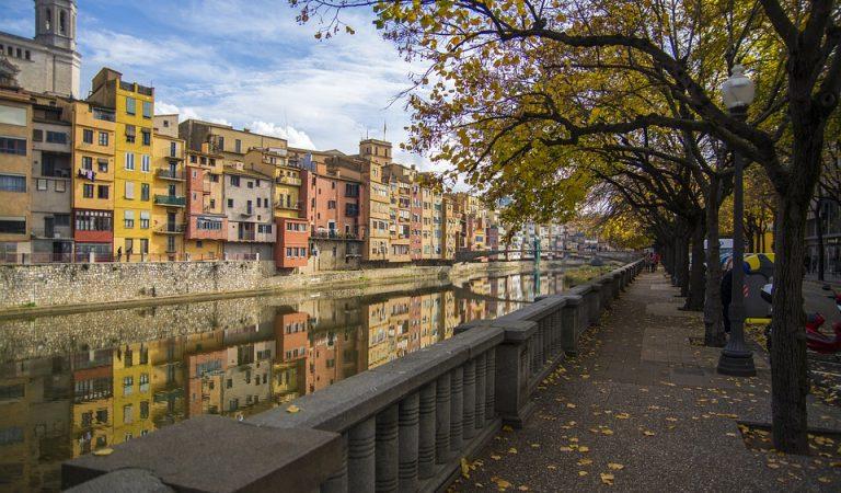 Girona, la capital més petita de Catalunya, supera per primer cop els 100.000 habitants.