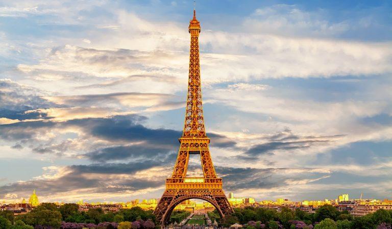 La Torre Eiffel podia haver-se construït a Barcelona? Llegenda urbana o realitat?