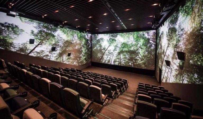 El Cinema amb Triple Pantalla arriba a Catalunya.