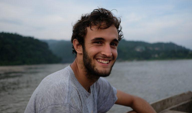 Un jove barceloní crea la primera App per comprar roba sostenible