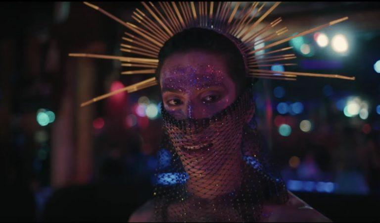 """Lletra i Videoclip de la Cançó """"In the Night"""" d'Oques Grasses"""