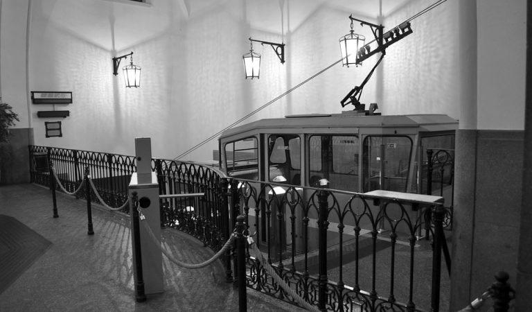 Després de 118 anys, el Funicular del Tibidabo fa avui el seu últim trajecte.