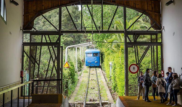 Ara fa un any que va desaparèixer el Funicular del Tibidabo per donar pas a la Cuca de Llum