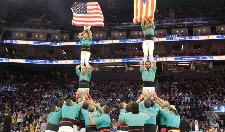 Els Castellers de Vilafranca lluint l'Estelada pels Estats Units – Gira per Califòrnia