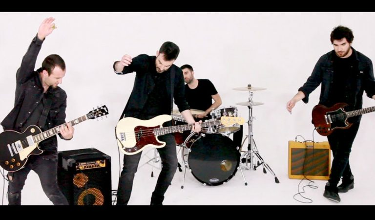 Lletra i Videoclip de la cançó del grup Destemps – Low Cost