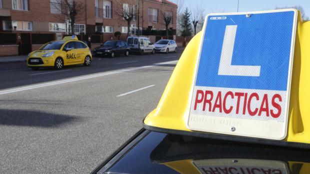 Sabeu quina és la ciutat més cara de l'Estat per a treure's el carnet de conduir?