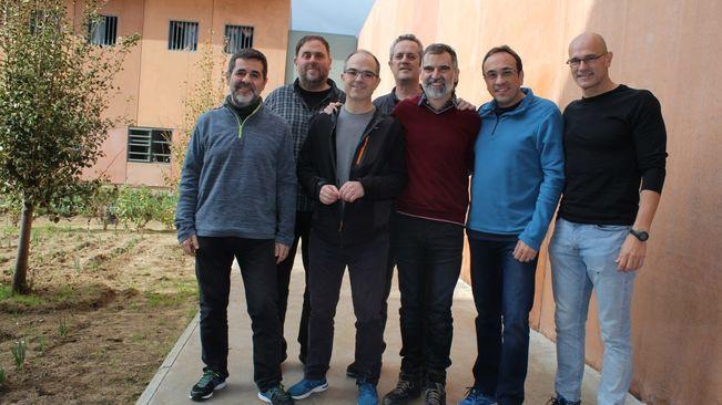 Els presos polítics catalans a un pas del tercer grau i d'aconseguir la semi llibertat.