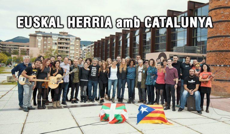 L'Estaca en versió bilingüe, català-basc.