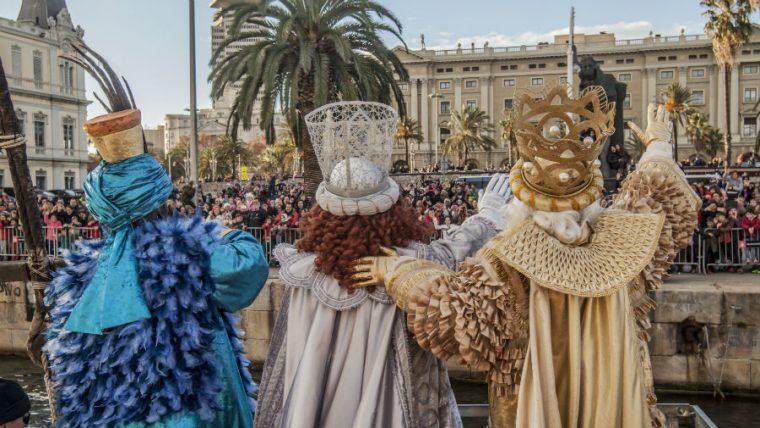 Vols participar en la Cavalcada de Reis de Barcelona? Es necessiten patges. Inscriu-te.