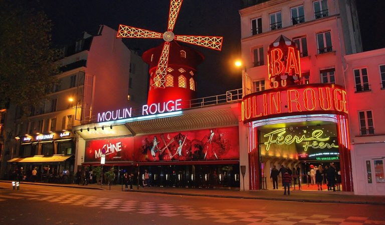 Sabíeu que elMoulinRougede París el va fundar un empresari català.