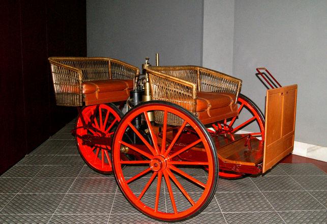 El primer cotxe de motor de la Península el va construir un enginyer català.
