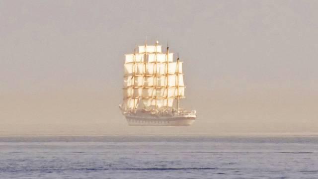 Què és l'Efecte Fata Morgana que ens fa veure imatges increïbles enmig del mar?