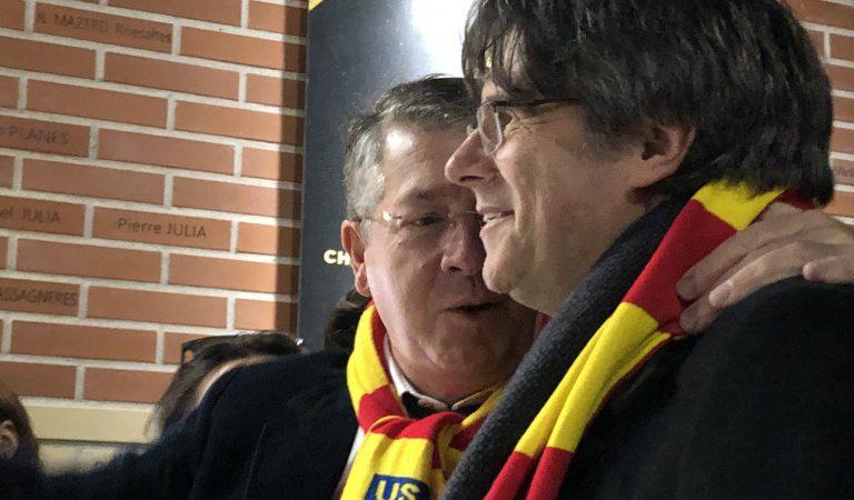 Puigdemont ja és a terres catalanes i és rebut a l'estadi de laUSAPentre crits de President