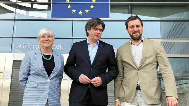 La justícia europea desestima les mesures cautelars sobre la immunitat de Puigdemont, Comín i Ponsatí, perquè no ho veu necessari.