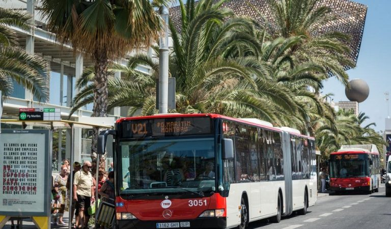 Ja es poden comprar bitllets senzills de bus de Barcelona des del mòbil.
