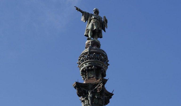 Creieu que s'hauria de retirar l'estàtua de Colom de Barcelona?