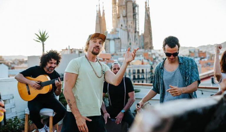Torna, la nova cançó de Macaco per la campanya d'estiu de Moritz – Lletra i Videoclip