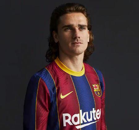 El Barça presenta la samarreta de la pròxima temporada