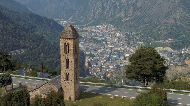 Andorra comença a administrar la tercera dosi de la vacuna contra la Covid-19 als col·lectius més vulnerables.