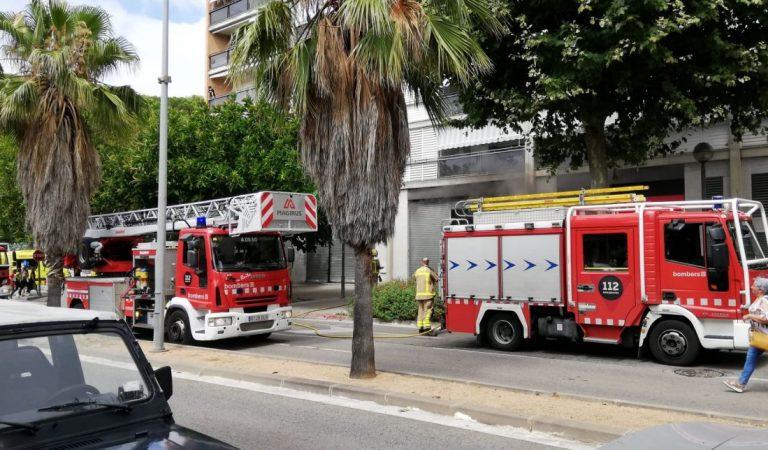 Tres morts i quatre ferits en un incendi a un pis de la Barceloneta