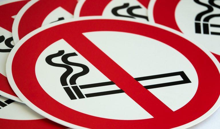 Prohibit fumar a quatre platges de Barcelona