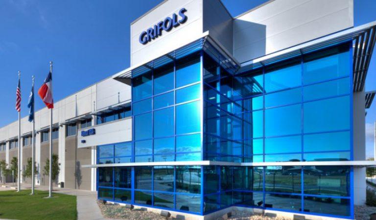 Els Estats Units dóna llum verda al tractament de la Covid-19 amb plasma de la multinacional catalana Grifols.