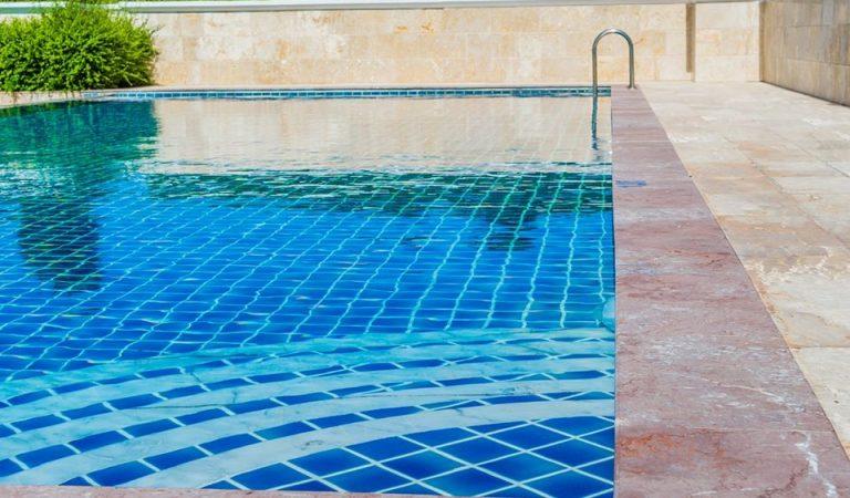 Un poble de Lleida cobra 30 € d'entrada a la piscina als no residents