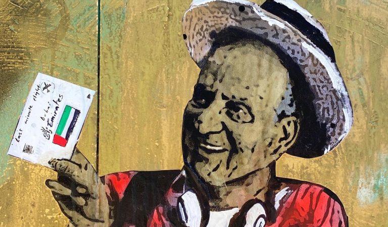 El grafiterTVBoypinta el Rei emèrit com un turista milionari a la Barceloneta